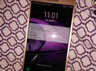 used Samsung j7 small scratch on screen but  nothing major phone works just fine carrier boost mobile