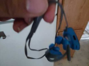 Bluetooth headphones non woring can be fixed just wont charge