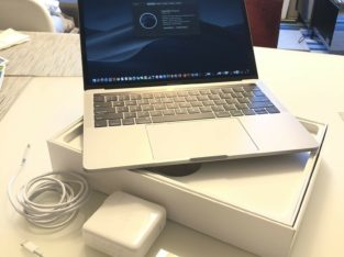 MacBook Pro 13″ – 2.3Ghz – 8GB RAM – 1TB SSD – US