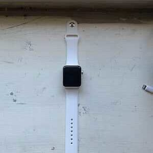 Apple Watch Series 3 GPS 42mm Silver Aluminum Case White Sport Band – MTF22LL/a