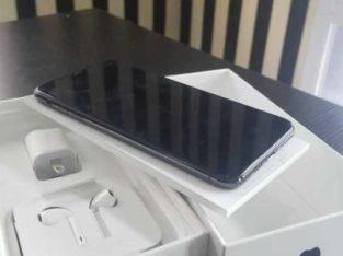 iPhone Xmas 64gb, factory unlocked