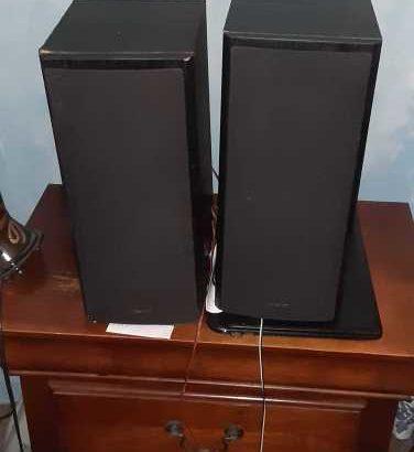 2 Onyko Speakers