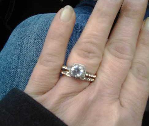 Women's Wedding/Engagement Ring