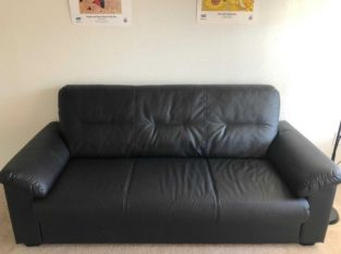Sofa in black 3 seats