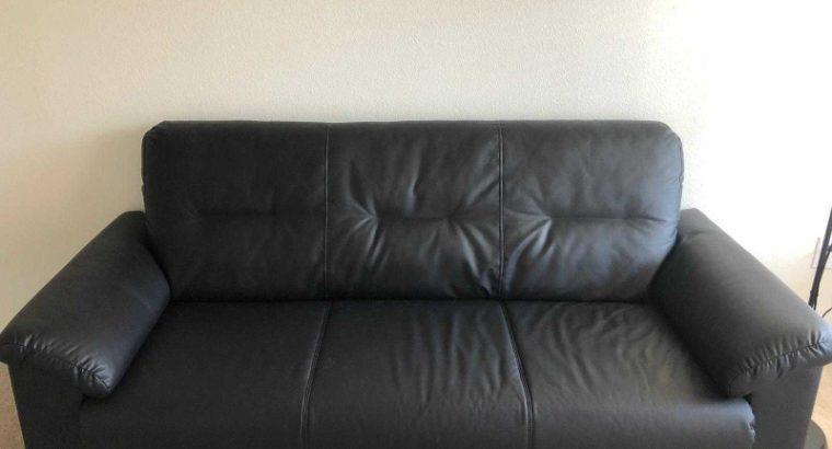 Sofa in black 3 seats