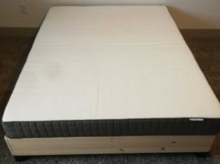 Queen size foam mattress and bed structure