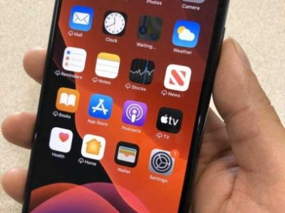 Iphone 11 pro max neatly used at cheaper rate,  unlocked and no scratches