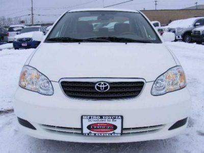 2007  Toyota corolla LE white