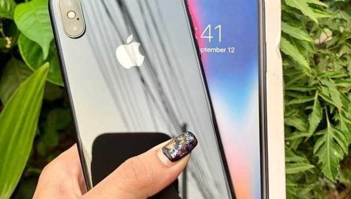 Apple IPhone XS,  256GB fully Unlocked