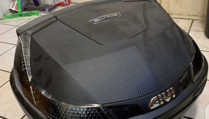 Universal motorcycle storage trunk