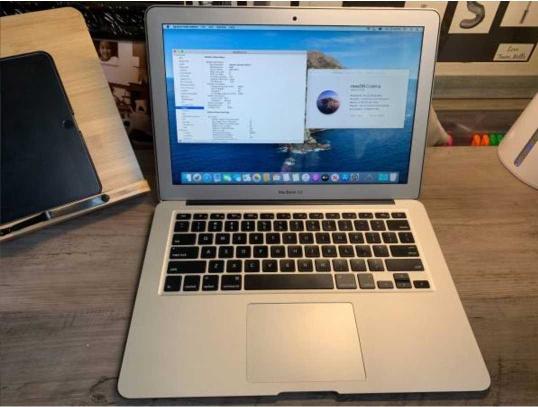 """2015 13""""Macbook Air 1.6 GHz-8GB RAM 256"""