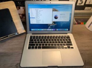 "2015 13""Macbook Air 1.6 GHz-8GB RAM 256"
