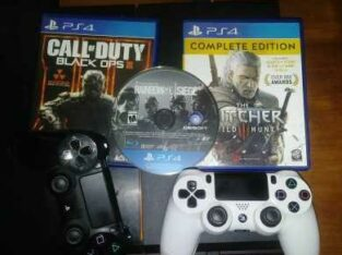 ps4 3 games and two controllers