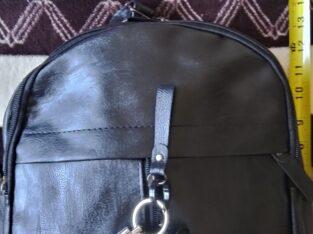 ONLY $30 ! Brand new 7 pocket bag pack