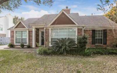 4010 Spring Branch Dr E Pearland, TX   4 beds    2 baths