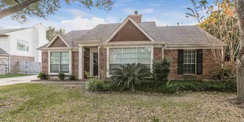 4010 Spring Branch Dr EPearland,TX  4 beds    2 baths