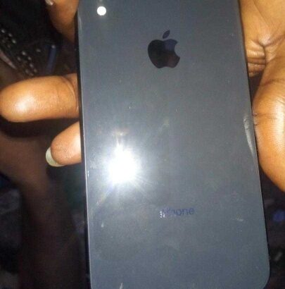 black iPhone xr 64 GB in good condition