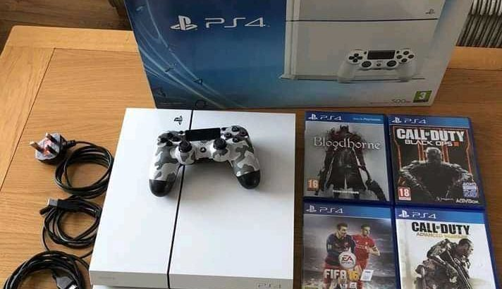 PS 4 with CD