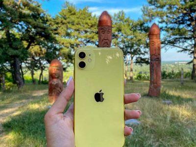 Apple iPhone 11,64 gb,yellow-fully unlocked (renewed)