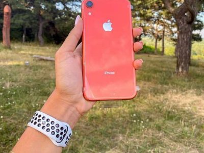 iPhone xr,256 gb, coral fully unlocked (renewed)