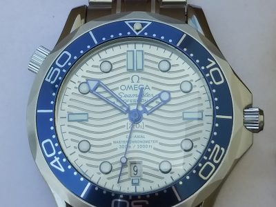 FREE SHIPPING!! New Omega 300m Professional watch