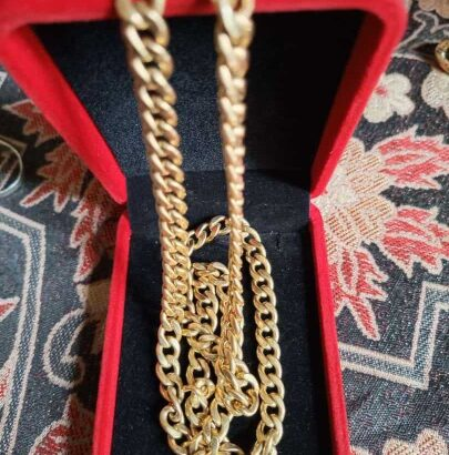 Golden Jewelry /wristwatch