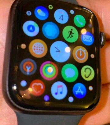 Apple wrist watch Series 5