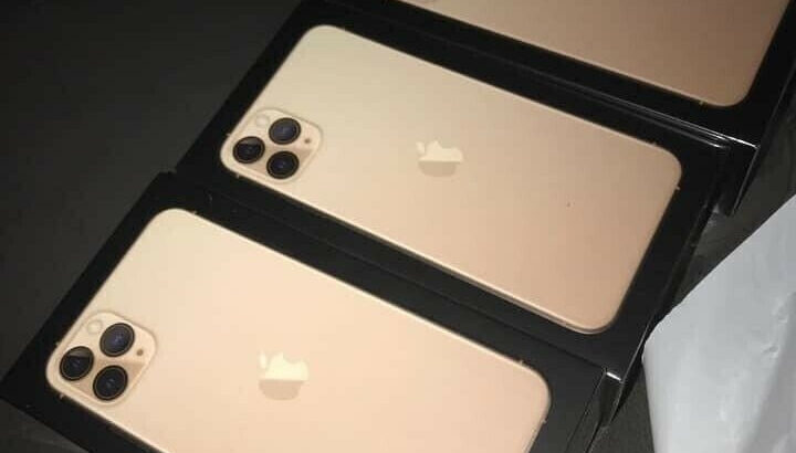 Apple iPhone 11 pro max 512 gb 600 $