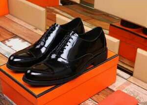 men and women shoe wears including kids shoes available
