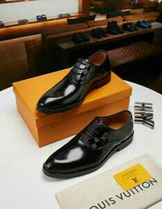 shoe wear's is available