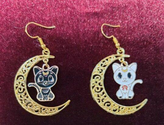 Sailor moon earrings luna Artemis moon mom fashion cat lover cats