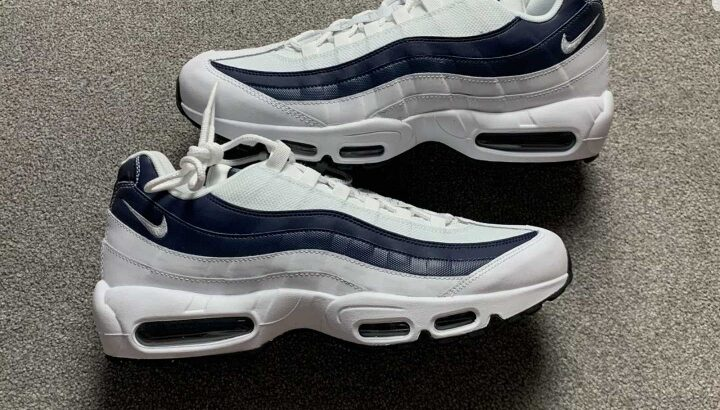 NIKE AIR MAX 95 ESSENTIAL BLUE / WHITE SIZE 11UK 12UK 749766 114