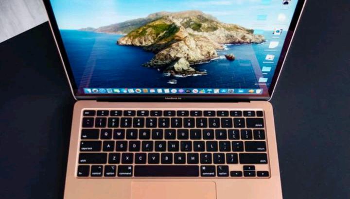 Mac book pro laptop 2018