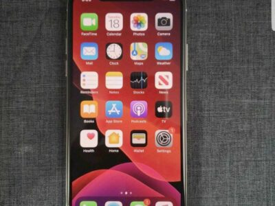 Apple iPhone X – 64GB – Silver (Unlocked) A1901 (GSM)