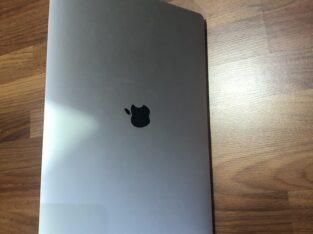 Apple MacBook pro (16-inch)