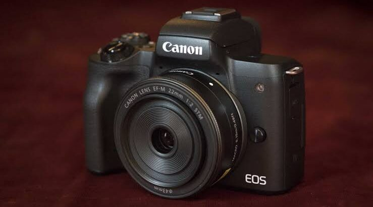Canon Camera M50