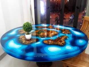 apoxy wood round table