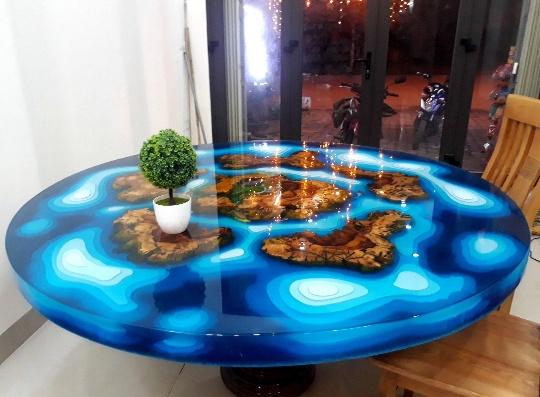 apoxy wood round table