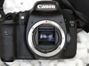Canon EOS 7D 18.0 MP Digital SLR Camera