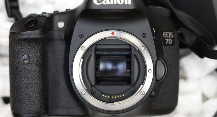 Canon EOS 7D 18.0 MP Digital SLR Camera