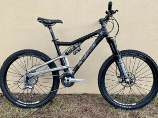 Santa Cruz Heckler Full Suspension Mountian Bike,