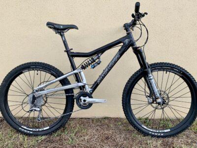 Santa Cruz Heckler Full Suspension Mountian Bike,