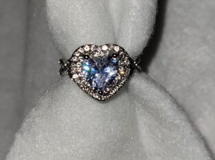 Heart-shaped CZ Stone Sterling Silver Ring Size 6