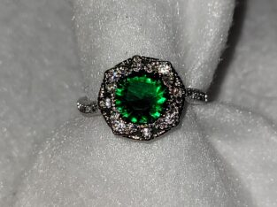 Emerald Sterling Silver Ring size 6
