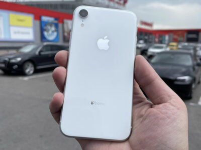 IPHONE XR 64 /128 white