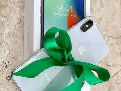 IPHONE XMAS 256GB BLACK WHITE AVAILABLE