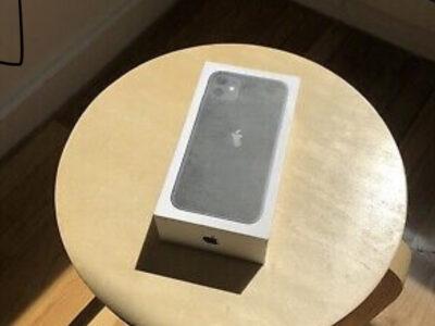 Apple iPhone 11 – 64GB – Black (Verizon) A2111 (CD