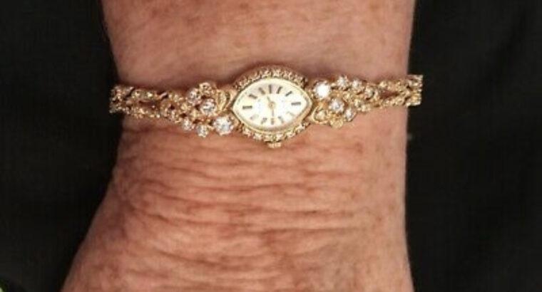 Vintage Ladies Diamond Watch! It's sparkly and bea