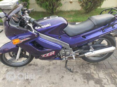 Suzuki Kawaasaki Purple powerbike