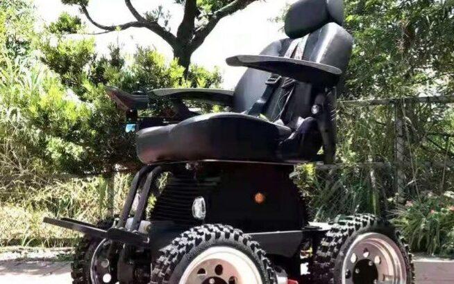 PW-4x4Q All-Terrain Power Chair uses 4-wheel drive